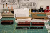 straight-frame-boxcars-working-sm.JPG