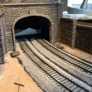 Tunnel Jan 20144 - The walls and portal are in place, left for the adhesive to set up over night. I'll use some vines and additional weathering later