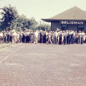 Rally at Seligman Depot (2)