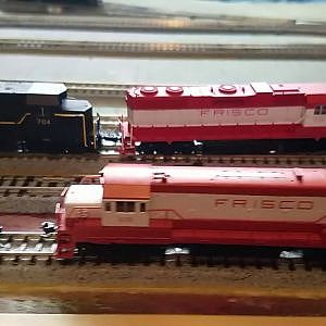 Frisco N Scale Consist of a GP35 between 2 GP38s - YouTube