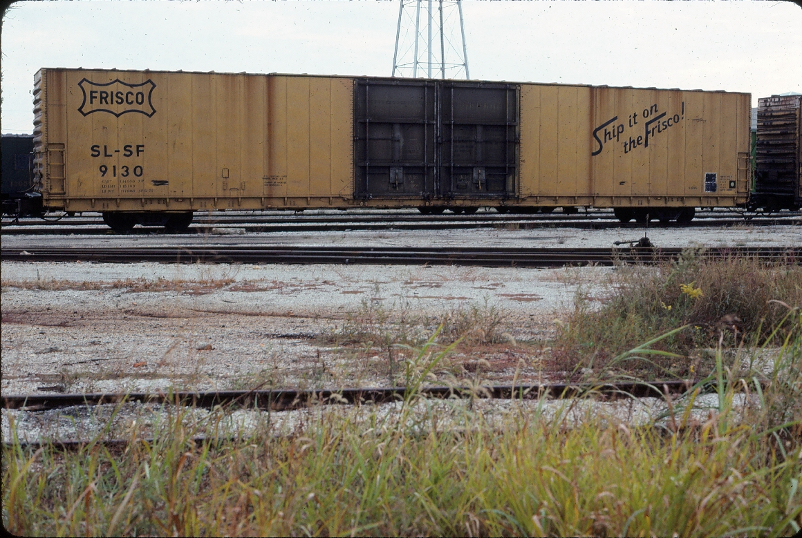 Boxcar 9130 86 foot double plug door - October 1983 - Springfield, Missouri