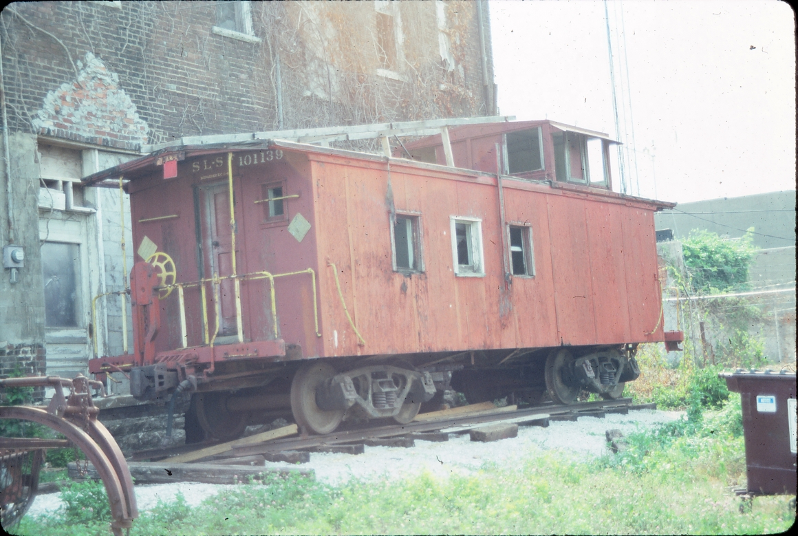 Caboose 101139 - July 1989 -  Ash Grove, Missouri