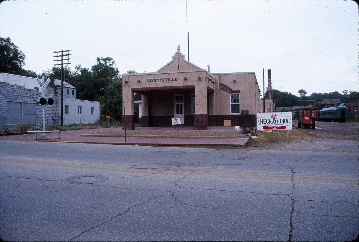 Fayetteville, Arkansas Depot - July 1989 - Looking North