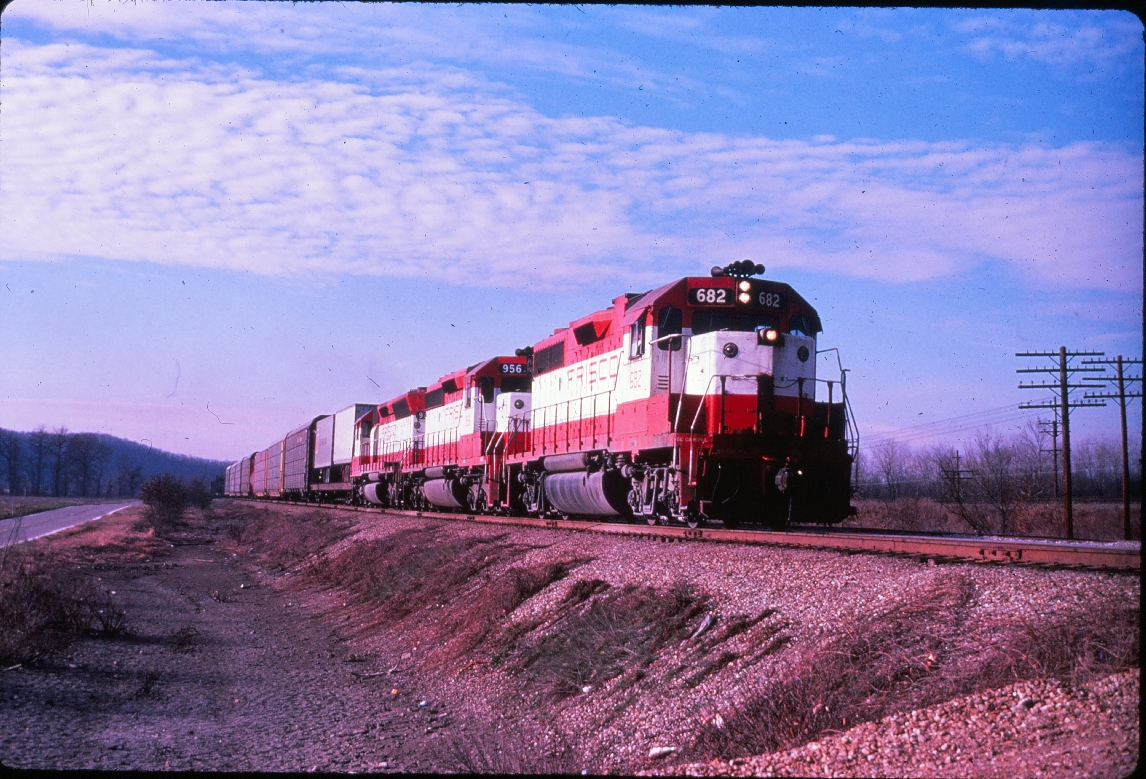 GP38-2 682 - August 15, 1978 - Outside Springfield, Missouri (EVDA Slides)