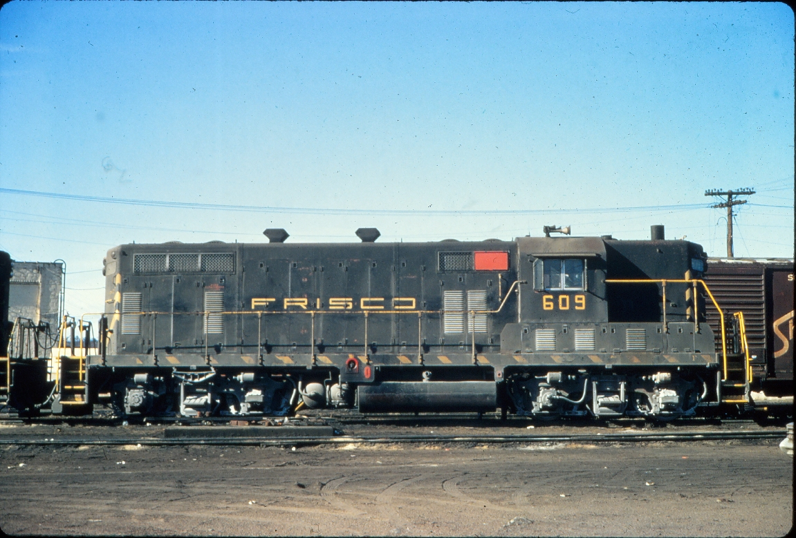 GP7 609 - January 1971 - Birmingham, Alabama (Vernon Ryder)