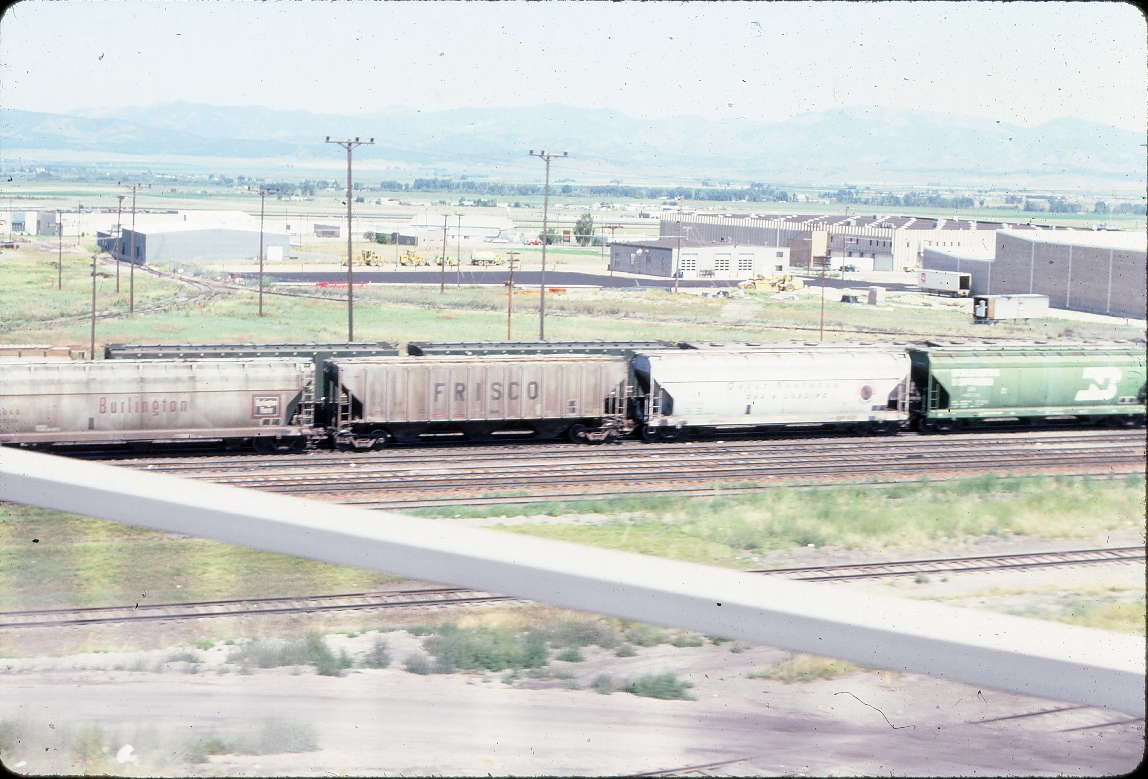 Hopper covered 79248 3 bay PS 4427 cubic foot - August 1983 - Helena, Montana