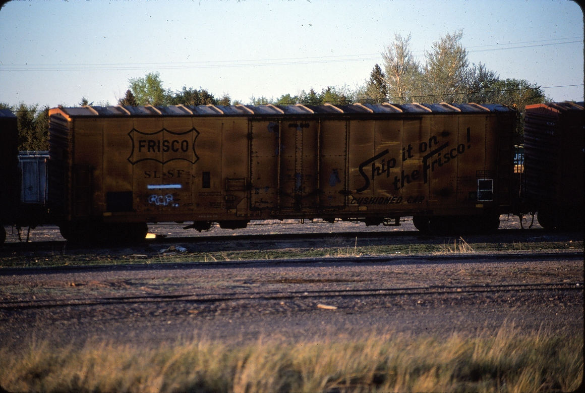 Plugdoor boxcar 6077 - May 1985 - Great Falls, Montana