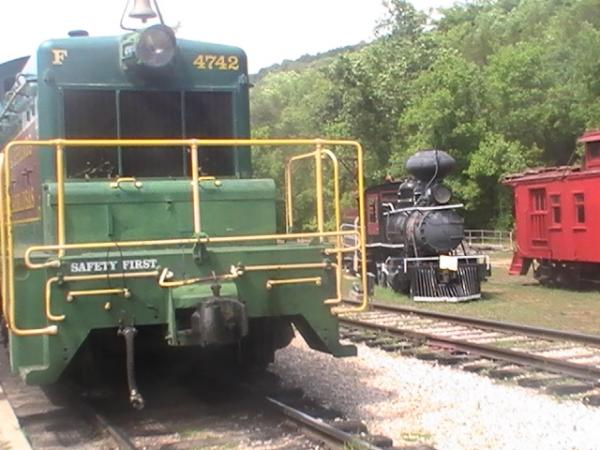 SW1 diesel locomotive #4742, the primemover of the ES&NA along side #1.