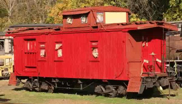 The ES&NA RR Caboose #214 is an ex-Cotton Belt #214.